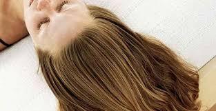 Trois astuces pour des cheveux plus forts au naturel