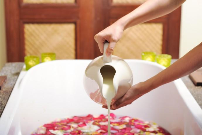 Argile, lait, flocons d'avoine: mettez-les dans votre bain !