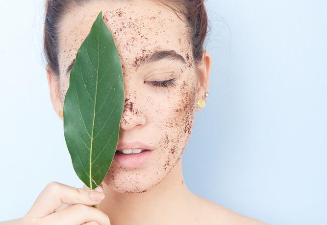 Crèmes exfoliantes : Elles décapent votre visage et salissent l'océan