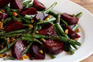 https://jeune-bienetre-magazine.fr/wp-content/uploads/2017/06/1408447283-Green-Bean-Beet-Salad-3-300x200.jpg