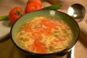 https://jeune-bienetre-magazine.fr/wp-content/uploads/2017/08/01-soupe-de-tomate-aux-oeufs-300x200.jpg