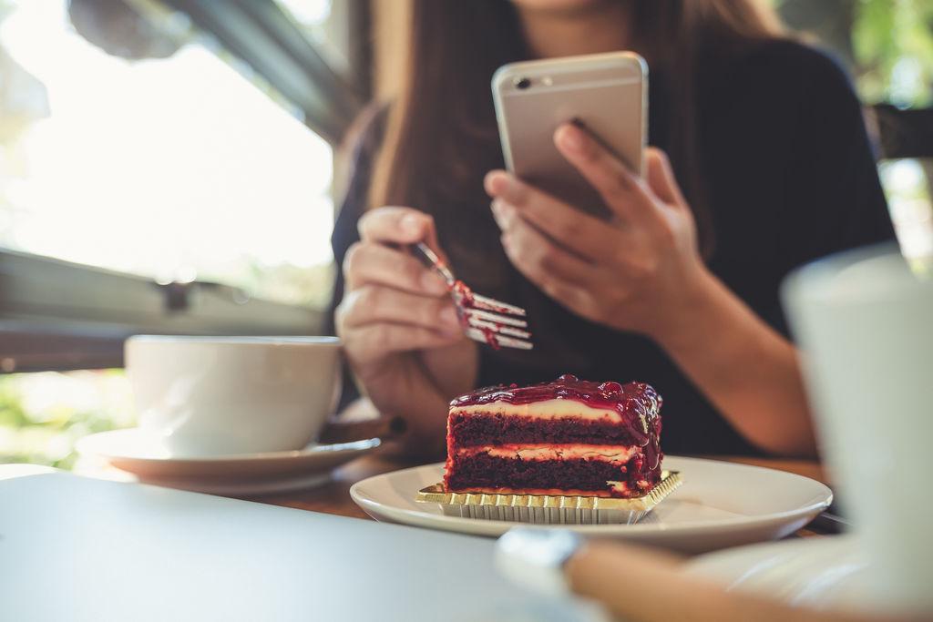 Le smartphone nuit à la qualité du repas